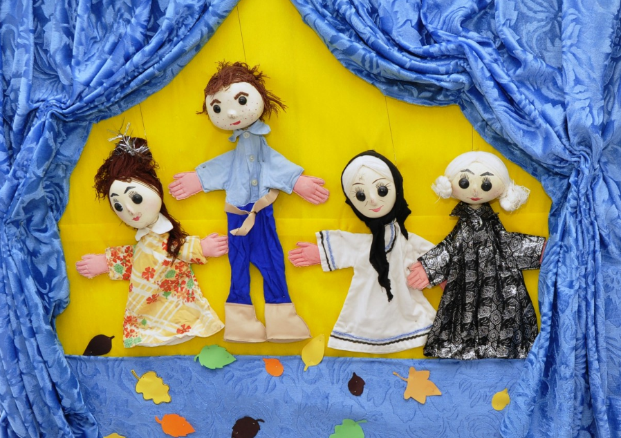 Teatro de bonecos. Imagem ilustrativa texto teatro na escola.
